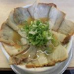 89889009 - らーめん(醤油味) 400円、チャーシュー多め +350円