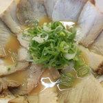 89889015 - らーめん(醤油味) 400円、チャーシュー多め +350円