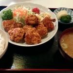 亀家 - 料理写真:唐揚げ定食(ご飯大盛り)