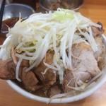 89895793 - 豚マシした、シークヮーサーつけ麺のつけ汁 ※ニンニク少し