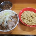 89895797 - シークヮーサーつけ麺930円+豚200円 ※ニンニク少し