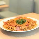カフェ結 - スパゲティナポリタン・・スープ&サラダ&ヨーグルト付き。大盛り(+¥100)もできます。【セット価格 ¥450】〔税抜価格〕プレートの場合あり。茄子のミートソースあり
