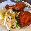 立呑 稼鶏酒場 - 料理写真:本格的な味のタンドリーチキンにはナイフフォークを付けてくれる気遣いが嬉しい