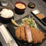 とんかつ 大喜 - 超厚切りロース2880円