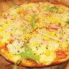 フライパン - 料理写真:トマトソースのミックスピザ