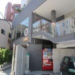 パーチ - お店は薬院新川沿いのビルの2階にあります。