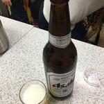89905347 - アサヒスーパードライ 大瓶ビール¥400