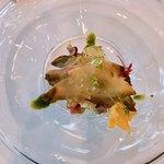 ベネッセハウス テラスレストラン 海の星 - ボイルドサザエの柑橘ジュレがけ