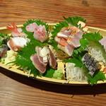 魚猫 - 金目鯛炙り刺入りおまかせ5点盛