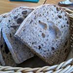 ヴィーノヴィーノ - 天然酵母のパン。