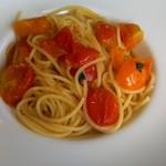 ヴィーノヴィーノ - フレッシュトマトのスパゲッティ。