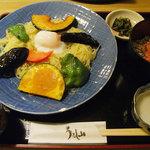 うるし山 - 日替わり・夏野菜のつけ麺セット・700円