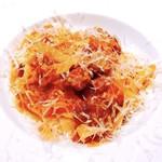マークステーブル - 『自家製フェトチーネ、イタリアソーセージとトマトソース』
