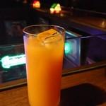 カフェ・モンマルトル - パッソアオレンジ