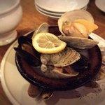 89925561 - 貝類の白ワイン蒸し