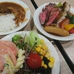 89928468 - 朝カレー&ローストビーフ&チキン&ベーコン♪&サラダ