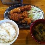 串マツ - 2011.08 ランチ 串カツ5本盛、ご飯&味噌汁付き500円