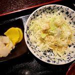 なかいち - 串焼き居酒屋 なかいち @西葛西 ランチ丼ぶりに付くサラダと漬物