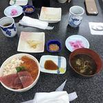函館朝市 栄屋 よさこい食堂 -