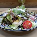 家庭料理 小川 - 野菜・サラミサラダ