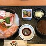 びっくり - 料理写真:海鮮丼ランチ