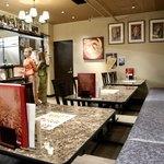 タイレストラン タニサラ - 元クラブを思わせる高級な雰囲気