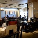 タイレストラン タニサラ - 広々とした空間