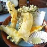 桝屋 味処 - ゆばそばに付属の天ぷら