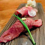 89942993 - 肉寿司(赤身、ヒウチ)