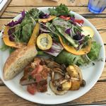 THE CUPS HARBOR CAFE - BASE SALAD R