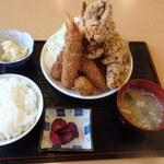 萬福食堂 - 料理写真:揚げ物パラダイス定食