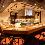 神戸旬膳K's Kitchen - 大切な方のおもてなしに、シックな大人の空間