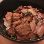 小籠包バル HASHIYA - 炙りトロ角煮丼