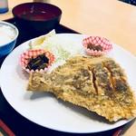 89945385 - ヒラメの唐揚げ定食