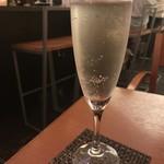 小籠包バル HASHIYA - ポールスター(スパークリングワイン)