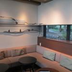 スターバックスコーヒー - 奥のソファー席