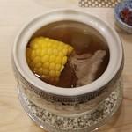 89946649 - とうもろこしと冬瓜とスペアリブのスープ