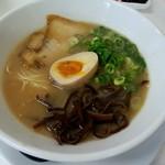 麺屋 うまか・カリッジュ - 料理写真:うまかラーメン