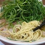 ラーメン魁力屋 - 麺