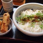 江戸堀 木田 讃岐うどん - 生じょうゆ(大盛り)、半熟玉子とちくわの天ぷら
