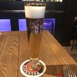 89957534 - 【Pils】(3.6€)オシャレな細身のグラスのビール。