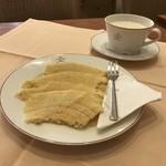 Café Kreutzkamm - ドイツ初レビューは、バームクーヘン。
