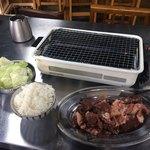 ほるもん天ぷらヤキニク 史 - 肉盛りハーフ500gとごはん普通