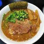 梶原製麺所 - にんにくラーメン+炙りチャーシュー1枚追加(¥800、¥100)