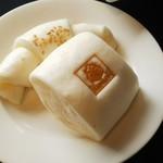 シェンロン トーキョー - 自家製蒸しパン