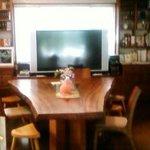 ワココロ - 中央の大きな食卓