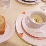 OSTERIA CO-CoLO - バケットと冷たい玉葱のスープ♪