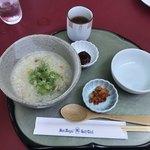 サンロイヤルゴルフクラブ - ●魚介類と野菜の韓国粥650円税込