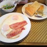 ツミキ - ベーコンエッグ&トースト
