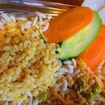 シックハール バザール - 米フレークの上に豆、穀物のトッピング